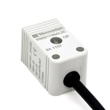 цена на Small Square Inductive Proximity Sensor Inductive Switch 3-Wire 2m Molded Cable 12 - 24VDC 17 * 17mm Buried NPN