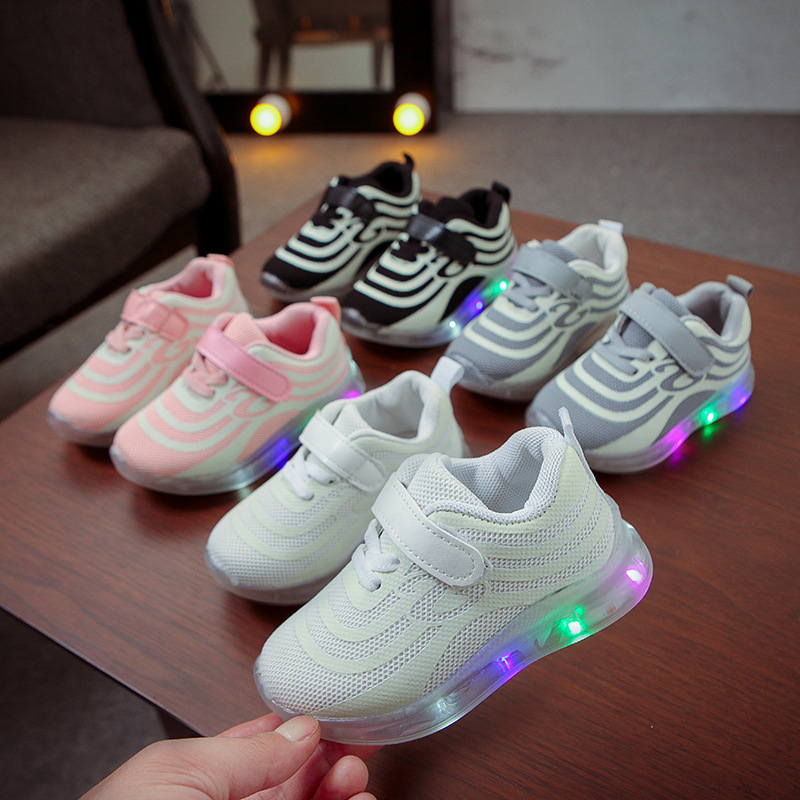 New Brand Lovely Baby Shoes Infant Tennis Cool LED Lighting High Quality Baby Casual Sneakers Leisure Baby Girls Boys Shoes