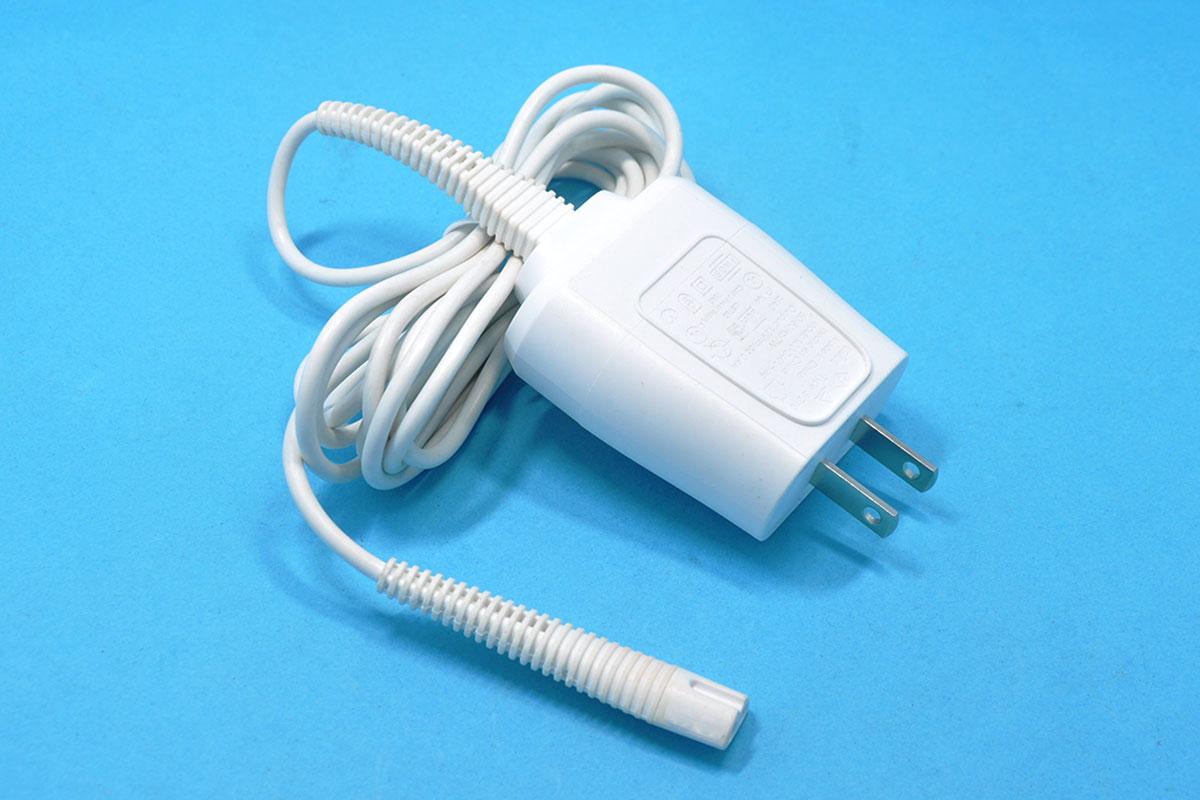Б/у зубных щеток Braun электробритва 12V 0.4A треугольник интерфейс белое зарядное устройство Модель 5210 320s 330s 340s 190 199 шнур питания