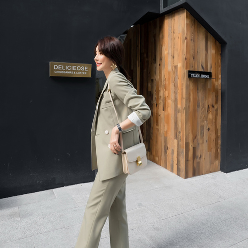 Spring And Autumn 2019 New Loose Fashion Double Breast Office Lady Elegant Suit Women