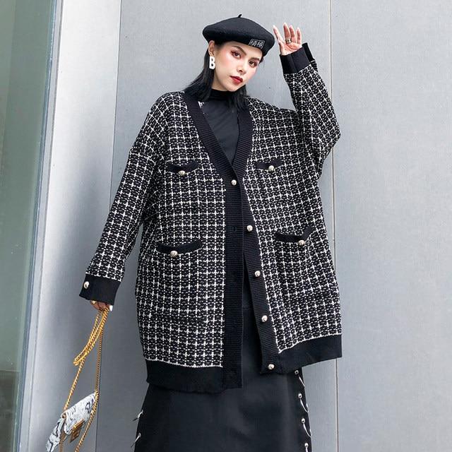 [EAM] black plaid big size Knitting Cardigan Sweater Loose Fit V-Neck Long Sleeve Women New Fashion Autumn Winter 2019 1K356 27
