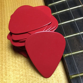 100pcs/lot Solid Red 0.71mm Medium Celluloid Guitar Picks Plectrums for Acoustic Electric Guitar Bass metal guitar capo with bridge pin remover fit for acoustic electric guitar bass ukulele mandolin soprano concert tenor baritone