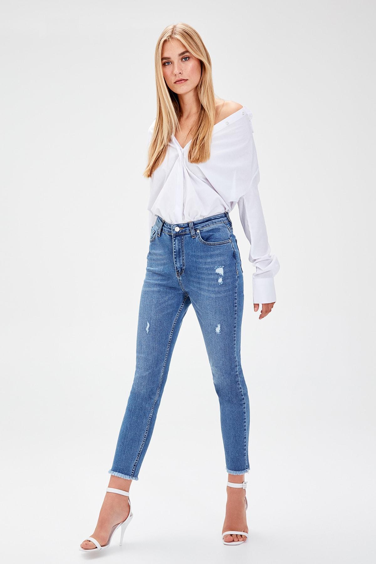 Trendyol Mavi Yıpratmalı High Waist Slim Fit Jeans TWOAW20JE0098