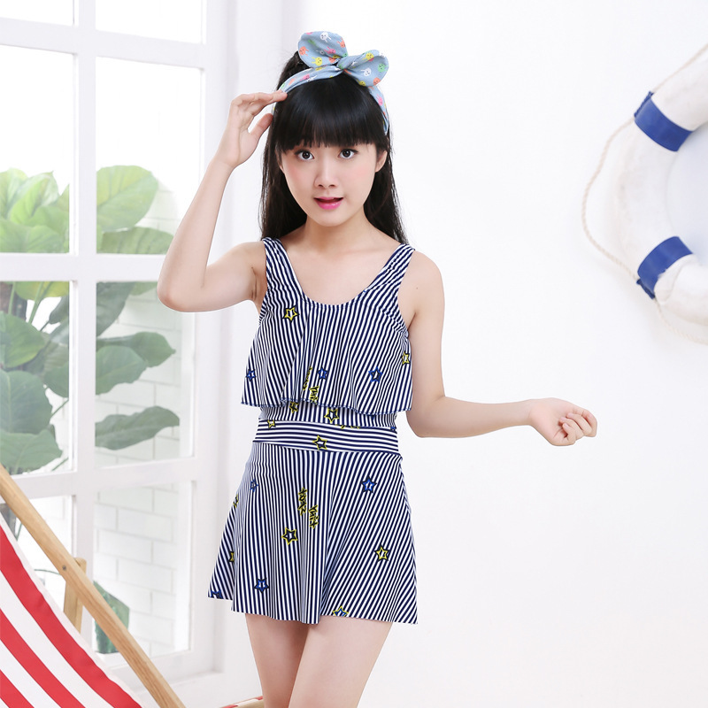2018 Middle And Large Children Teenager Conservative Tour Bathing Suit Girls Students Vertical Striped Skirt Bathing Suit