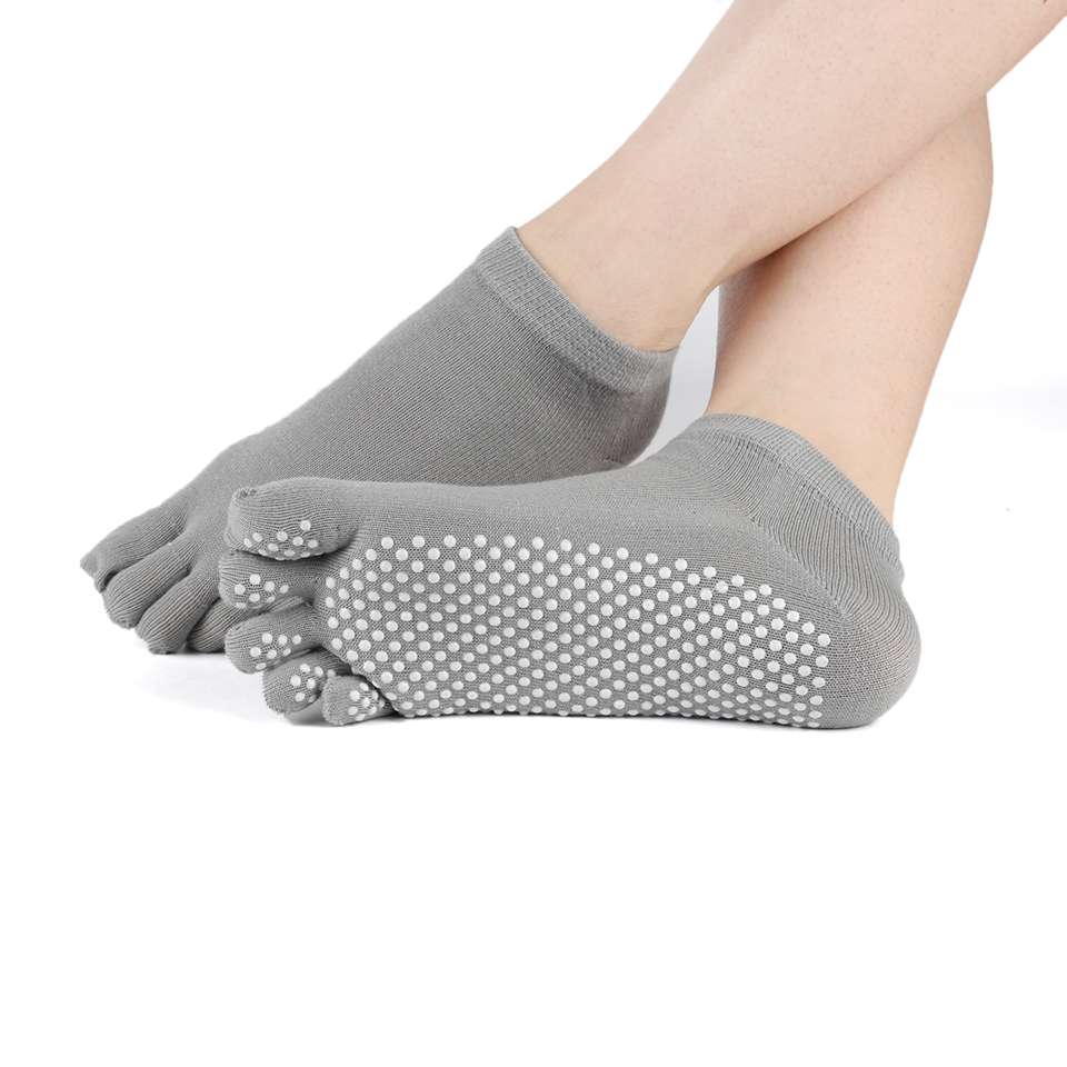 Women Yoga Silicone Dots Non Slip Five Fingers Socks Anti Slip Pilates Dance Gym Ballet Sport Dance Slippers Fitness Sock