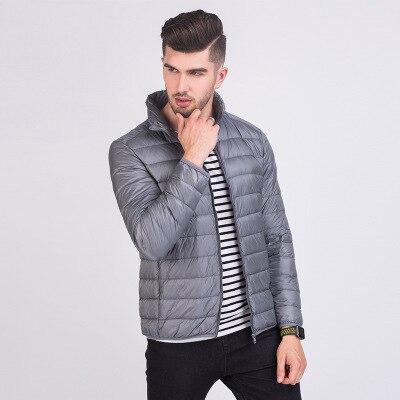 Мужская зимняя куртка ультра светильник 90% белый утиный пух куртки повседневное портативное зимнее пальто для мужчин размера плюс 4XL 5XL 6XL - Цвет: Gray
