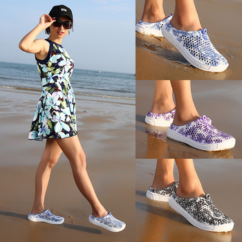 2020 Women Garden Clogs Shoes Casual Slippers Summer Quick Drying Anti-Slip Breathable Beach Sandals slip on casual garden clogs waterproof crocus shoes women classic nursing clogs hospital women work medical sandals