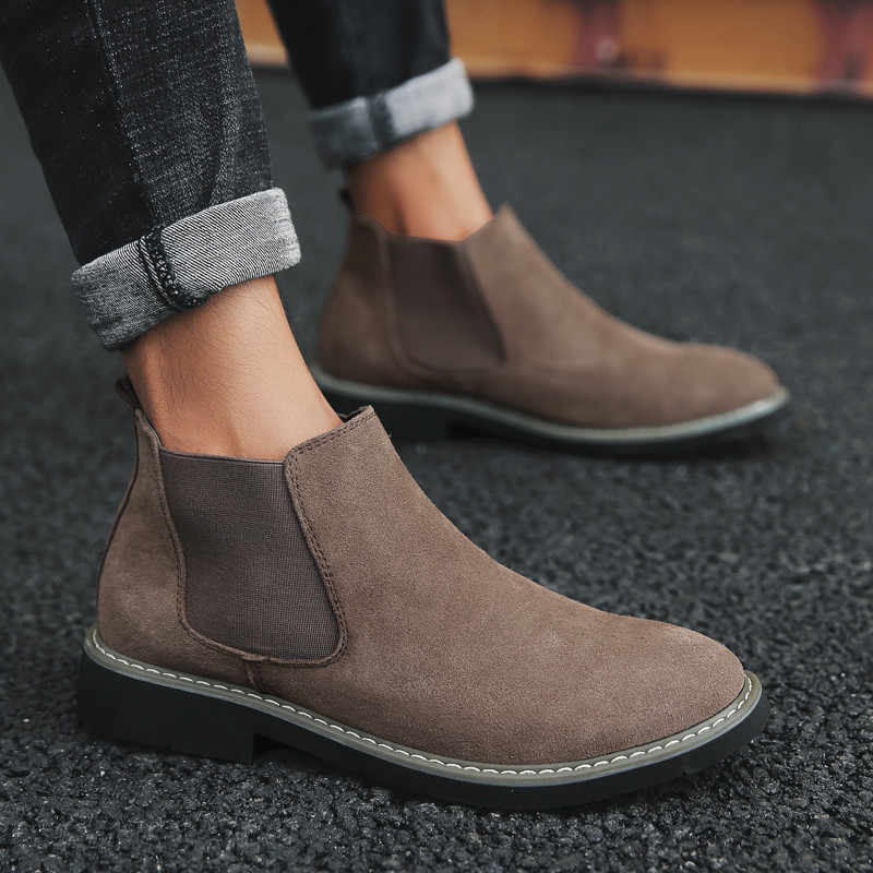 Artı Boyutu 38-45 Erkek Chelsea Çizmeler yarım çizmeler Moda Marka Tasarım Deri Kaliteli Slip-On Motosiklet Botları Adam sıcak Peluş