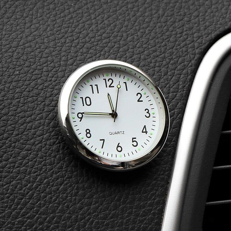 Mobil Clock Bercahaya Mini Mobil Internal Stick-On Digital Mekanik Kuarsa Jam Auto Ornamen Mobil Aksesoris Hadiah title=