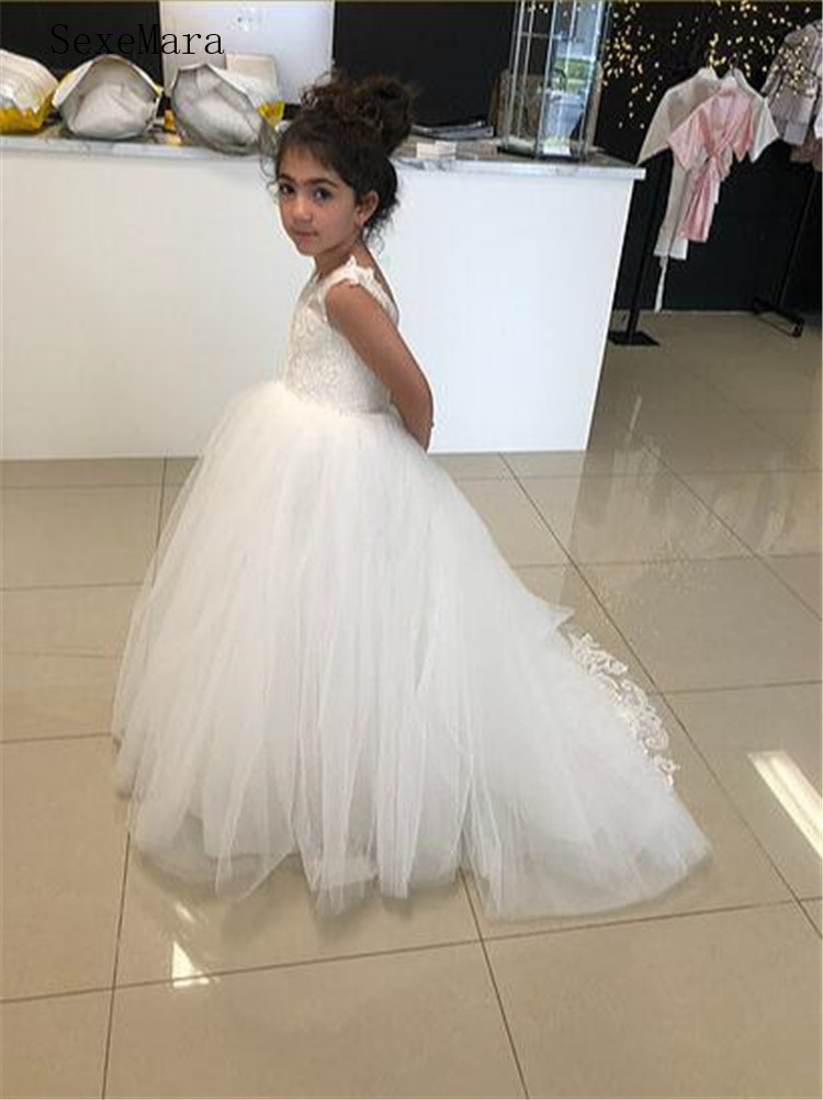 Vintage Holy First Communion Gowns with Lace Appliques Backless Long Tail Custom Made   Flower     Girl     Dress   Cheap Price Formal Wears