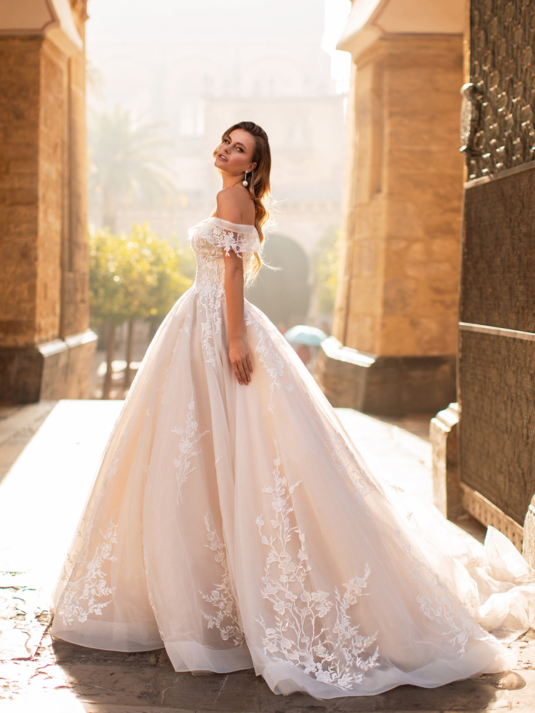 Wedding-Dresses Backless Sexy Vintage Plus-Size Bride-Gown Beaded Sweetheart Lace Court