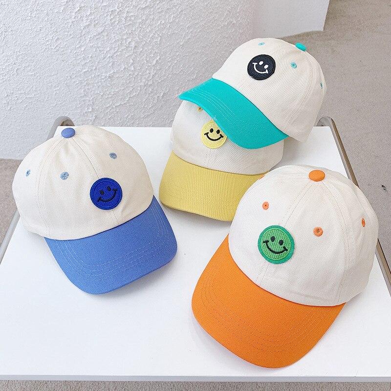 Милый детский комплект одежды, Цвета смайлик, защита от солнца, заостренные для маленьких девочек затенение бейсбольная кепка с вышитыми надписями, детские шапки От 3 до 8 лет