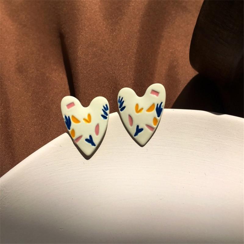 Ruanme fashion simple love shape earrings worn daily by taking snapshots earrings female hearts earring jewelry accessories