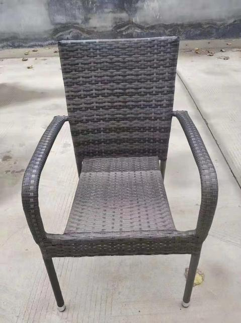 Outdoor Garden Rattan Tables and Chairs  4