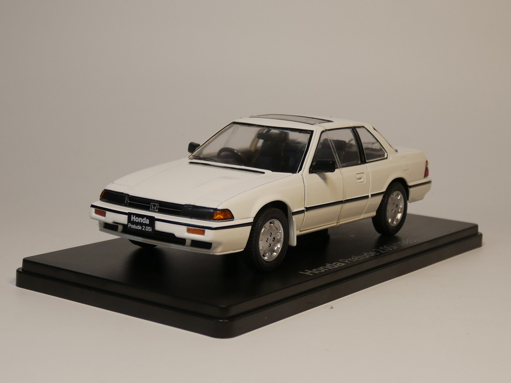 Hachette 1:24 Honda Prelude 2.0 Si 1985 Japanese Car Collection Diecast Model Car