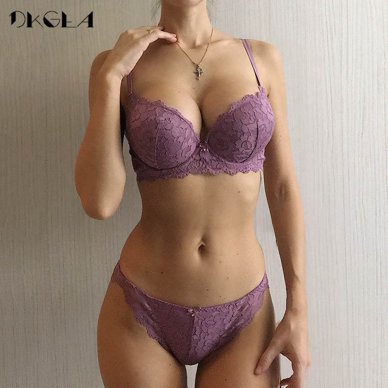 Hot Sexy Push Up Bra Set Brand Deep V Brassiere Thick Cotton Conjunto de ropa interior de mujer Lace Blue Embroidery Flowers Lingerie B C Cup