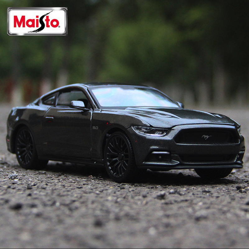Maisto <font><b>1:24</b></font> <font><b>Ford</b></font> <font><b>Mustang</b></font> GT Roadster simulation alloy car model simulation car decoration collection gift toy image