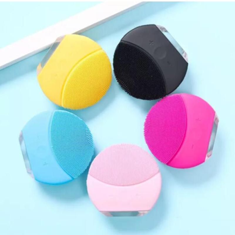 Face Cleansing Brush Mini Eletric Facial Cleaning Machine Waterproof Skin Care Tool USB Charging Deep Pore Cleaning Massage