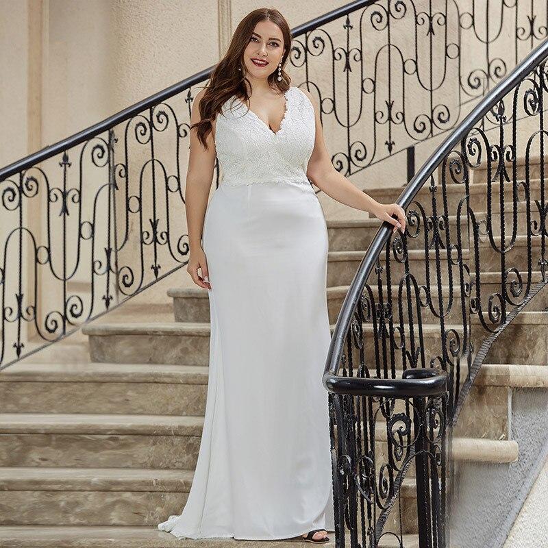 Plus Size Mermaid Wedding Dresses Long V-Neck Sleeveless Sweep Train Elegant Lace Formal Women Wedding Bride Gown Robe De Mariee