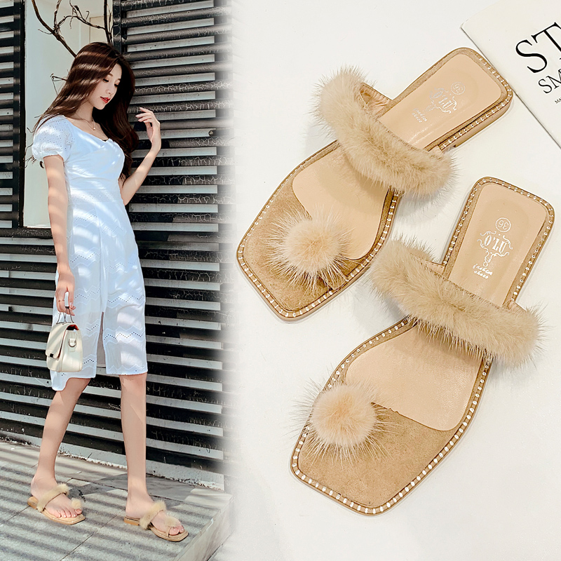 2020 Plush ball clip toe beach flipflops summer sandals mink hair flat slippers women  fur slippers street trend all-match shoes