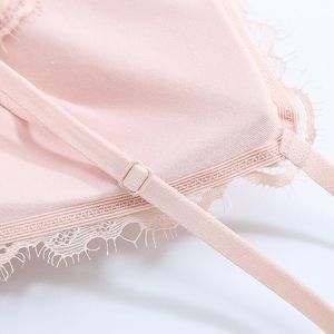 Image 5 - Honviey 2020 Wirefree Áo Ngực Và Quần Lót Bộ Vintage Ren Hoa Liền Mạch Bộ Đồ Lót Gợi Cảm Có Thể Điều Chỉnh V Sâu Lao Bộ Đồ Lót Ren