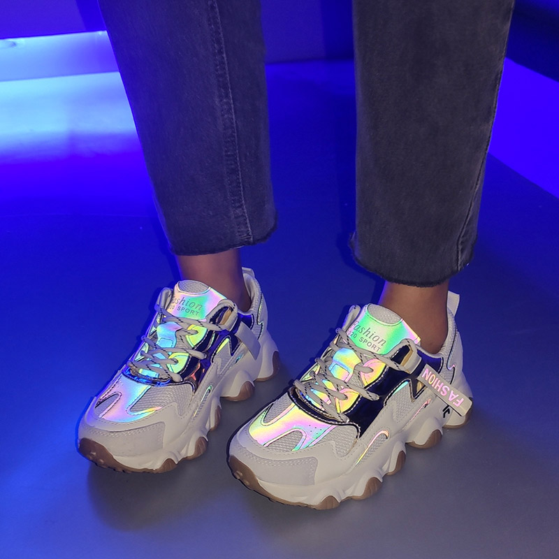 Women Reflective Sneakers 2020 Spring Summer Casual Shoes Luminous Air Mesh Flatform Running Shoes Woman Comfy Platform Sneakers
