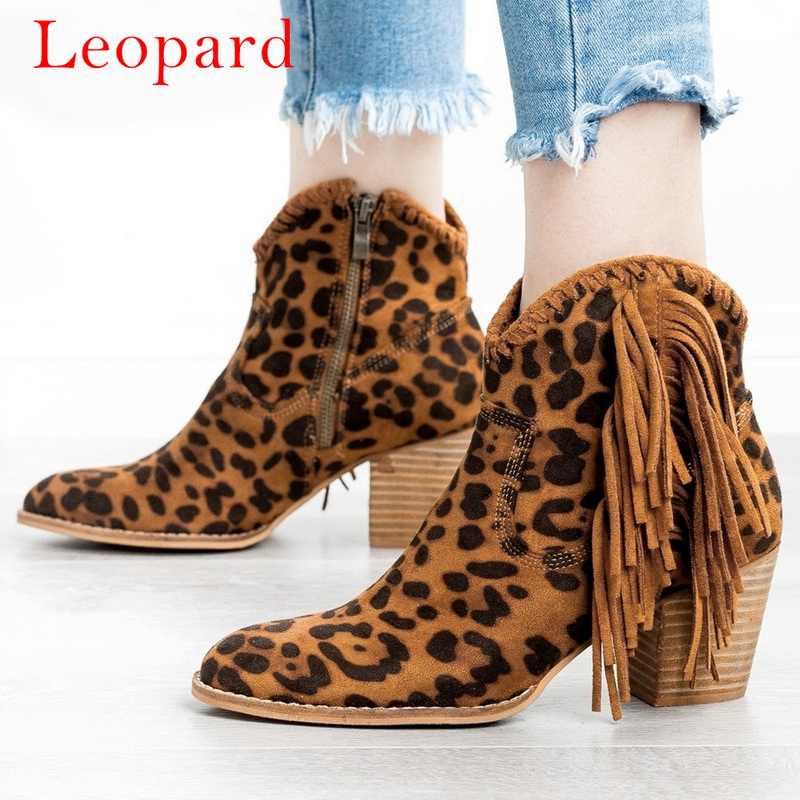Botas de mujer MoneRffi con flecos puntiagudos botas cortas de tacón grueso Retro Vintage tobillo Boots zapatos de mujer zapatos de borla sólida botines 2019