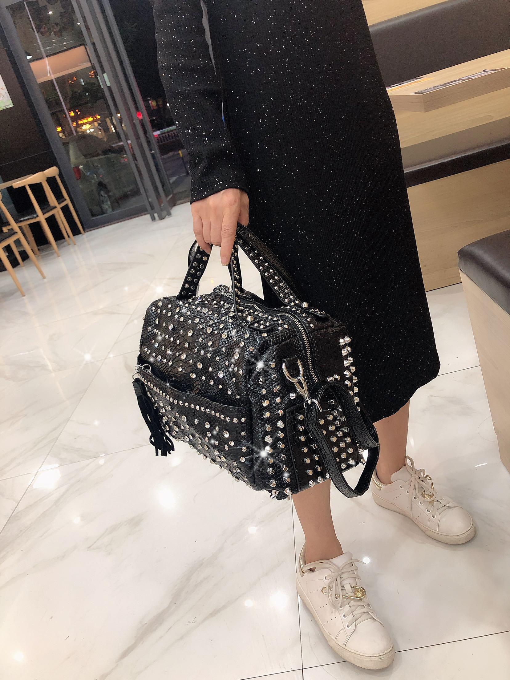 New Trend Handbags Personality Fashion Retro Leopard Rhinestone Handbag Rivet Shoulder Bag Ladies Casual Handbag Messenger Bag
