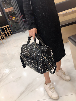 fashion rivet casual shoulder bag messenger bag retro simple women bag handbag ladies flap motorcycle bag 18b9 New trend handbags personality fashion retro leopard rhinestone handbag rivet shoulder bag ladies casual handbag Messenger bag