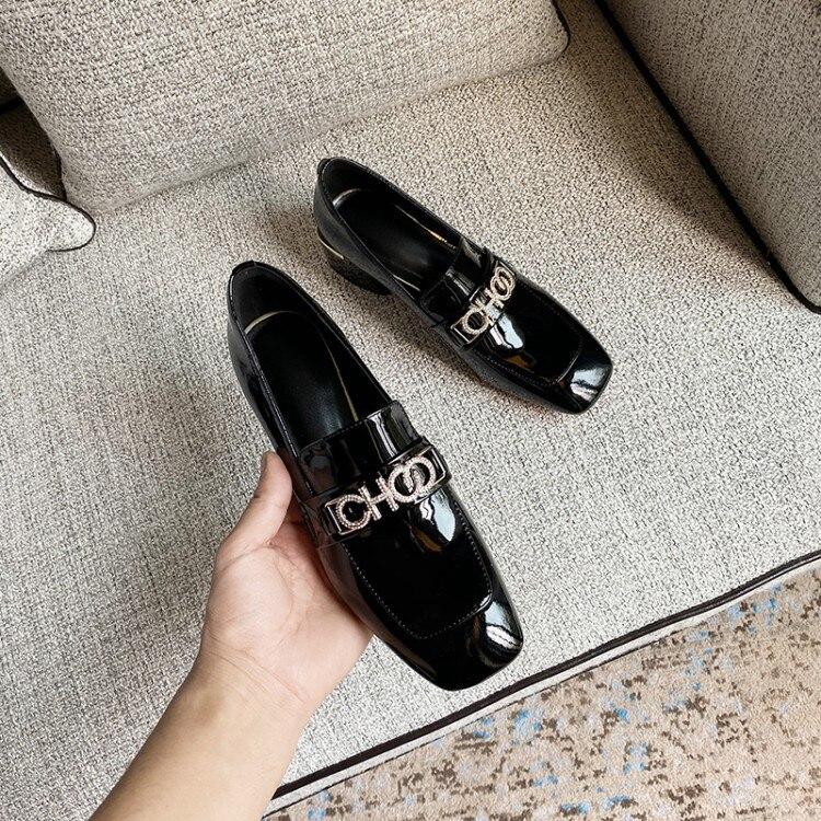 2020 noir et blanc avec motif Style occidental vin petit cuir chaussures printemps nouveau Style Snap attaches tête carrée talon épais