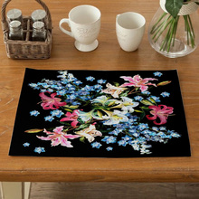 цена на Flower Pattern Dining Table Decoration Placemat Kitchen Printed Fabric Mat Linen Heat Insulation Coaster Tableware Pad Durable