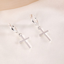 European and American hot sale simple small cross earrings with alloy  jewelry for femal etemperamental wild earrings  for women
