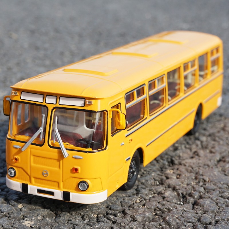 Vente boutique original 1:43 russie 677M modèle en alliage de bus, modèle de voiture en métal moulé sous pression exquis, cadeaux de haute collection, expédition gratuite