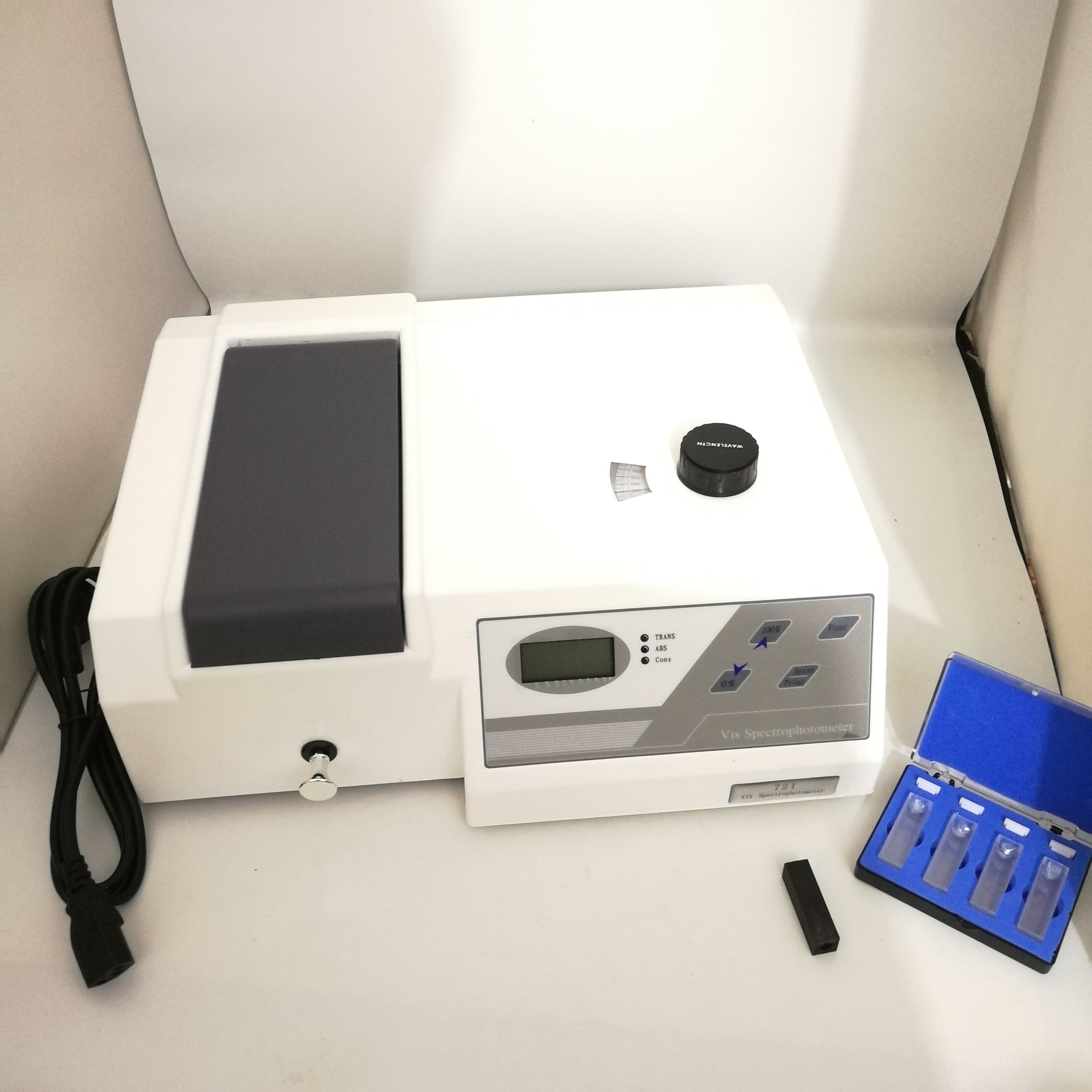 721 Lab VIS Spectrophotometer Equipment 325-1050nm Spectral Bandwidth 4nm Distance New