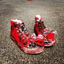 Смешные причудливый граффити старая обувь для влюбленных; Кеды