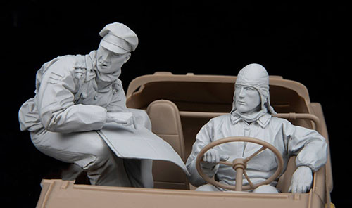 1/16 Ancient Crew Include 2 (NO CAR ) Resin Figure Model Kits Miniature Gk Unassembly Unpainted