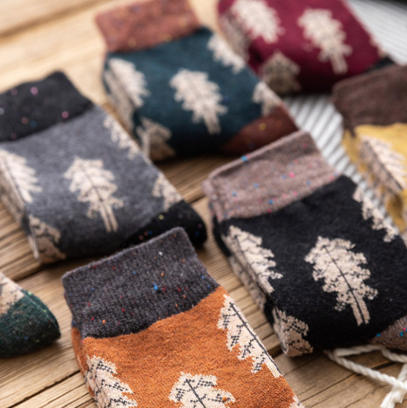 2019 Japanese Style Autumn Winter Women Wool Socks Clay-colored Chiffon Ladies Warm Socks With Christmas Tree Thickened 134
