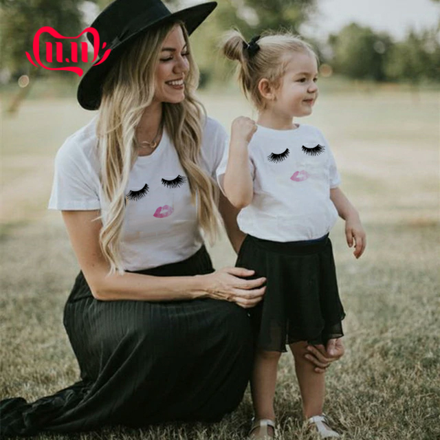 1pcs Mommy And Me Lash & Lips T Shirt Mommy And Child Short Sleeve Casual T Shirt Summer Family Matching Outfit Clothes