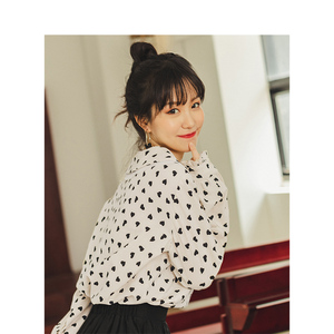 Image 2 - INMAN , осень 2019, Новое поступление, Ретро стиль, для молодых девушек, с милым отложным воротником, с принтом, 100% хлопок , женская блузка