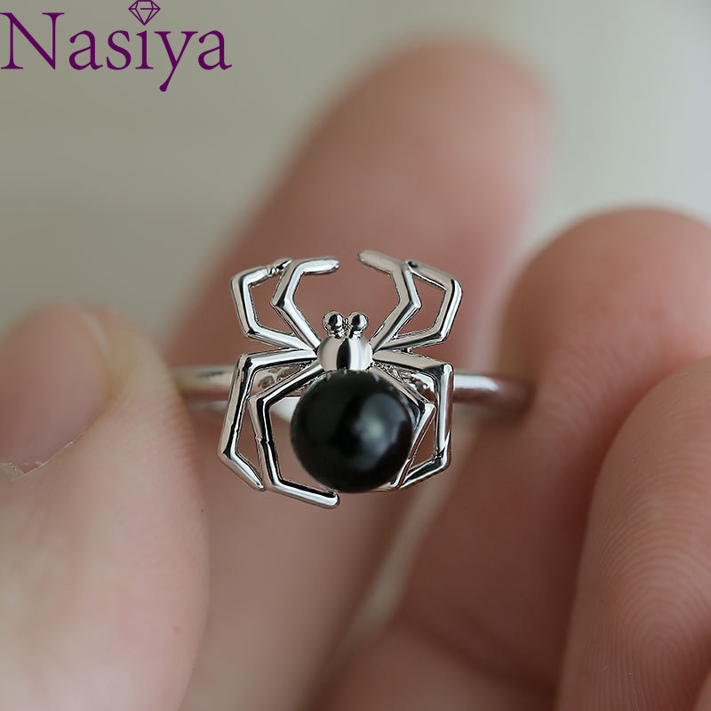 Creative Fashion  Pearl Spider Ring Female Insect Rings