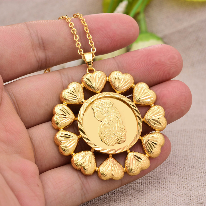 Annayoyo France Beauty Avatar golden Necklace Choker Chain Necklace Women Man Gold Color Pendant Jewelry Gift