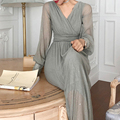 Платье-макси с V-образным вырезом и длинным рукавом