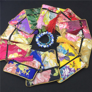 Luxo peônia flor borla pequeno zíper jóias bolsa sacos de presente high end seda brocado moeda bolsas festa casamento favor sacos 100pc