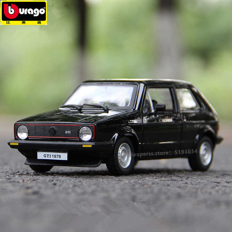 Bburago 1:24 1979 Volkswagen Golf GTI simulation alloy car model simulation car decoration collection gift toy