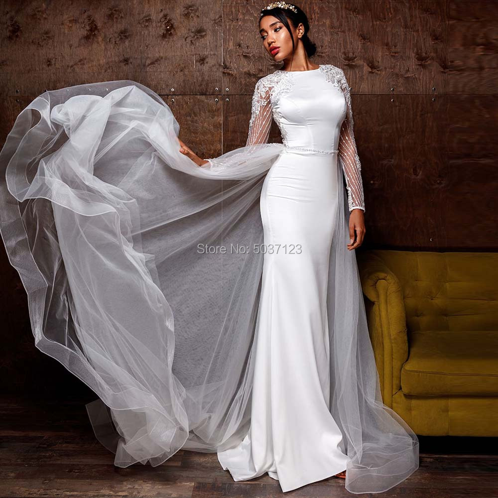 Sexy Mermaid Wedding Dresses O Neck Lace Appliques Long Sleeves Buttons Court Train Vestido De Noiva Bridal Wedding Gowns