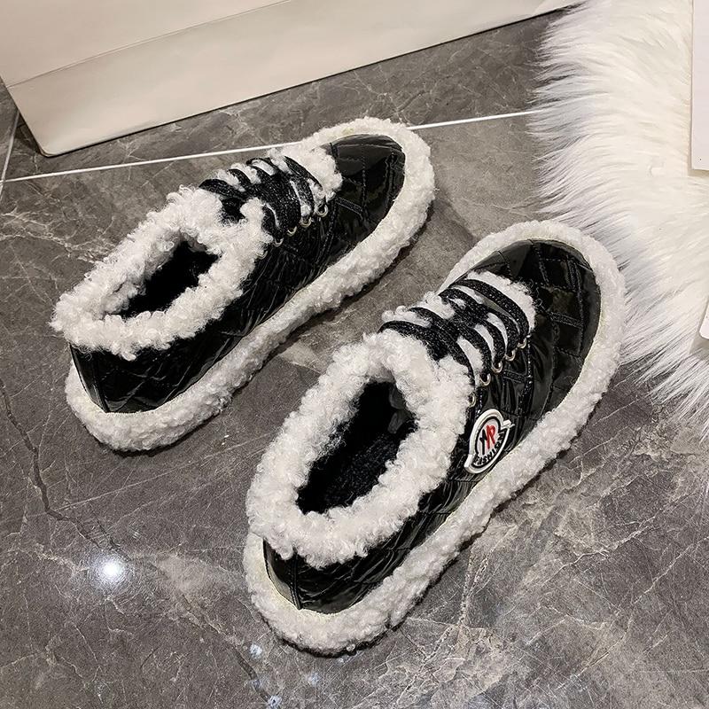 Chaussures d'hiver décontractées pour les chaussures en coton respirant à faible lumière pour femme