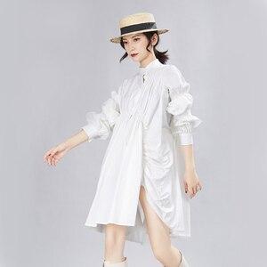 Image 4 - [EAM] Frauen Big Size Oversize Plissee Kleid Neue Stehen Ansatz Lange Laterne Hülse Lose Fit Mode Flut Frühjahr herbst 2020 1A331