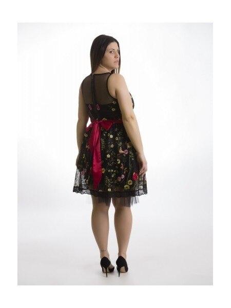 Robe de broderie en dentelle rouge bas sans manches élégant femmes noir robes de soirée en été 2020