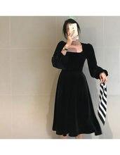 Женское бархатное платье с длинным рукавом и квадратным вырезом