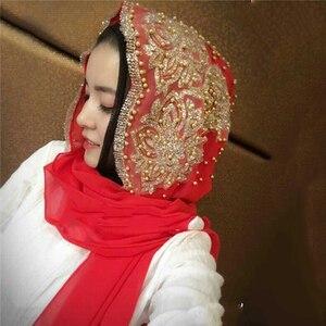 Image 4 - סיטונאי מחיר hijabs המוסלמי האסלאמי צעיף צעיפי לאישה ארוך Underscarf חיג אב מוצק צבע עם חרוז תפילת Turbante